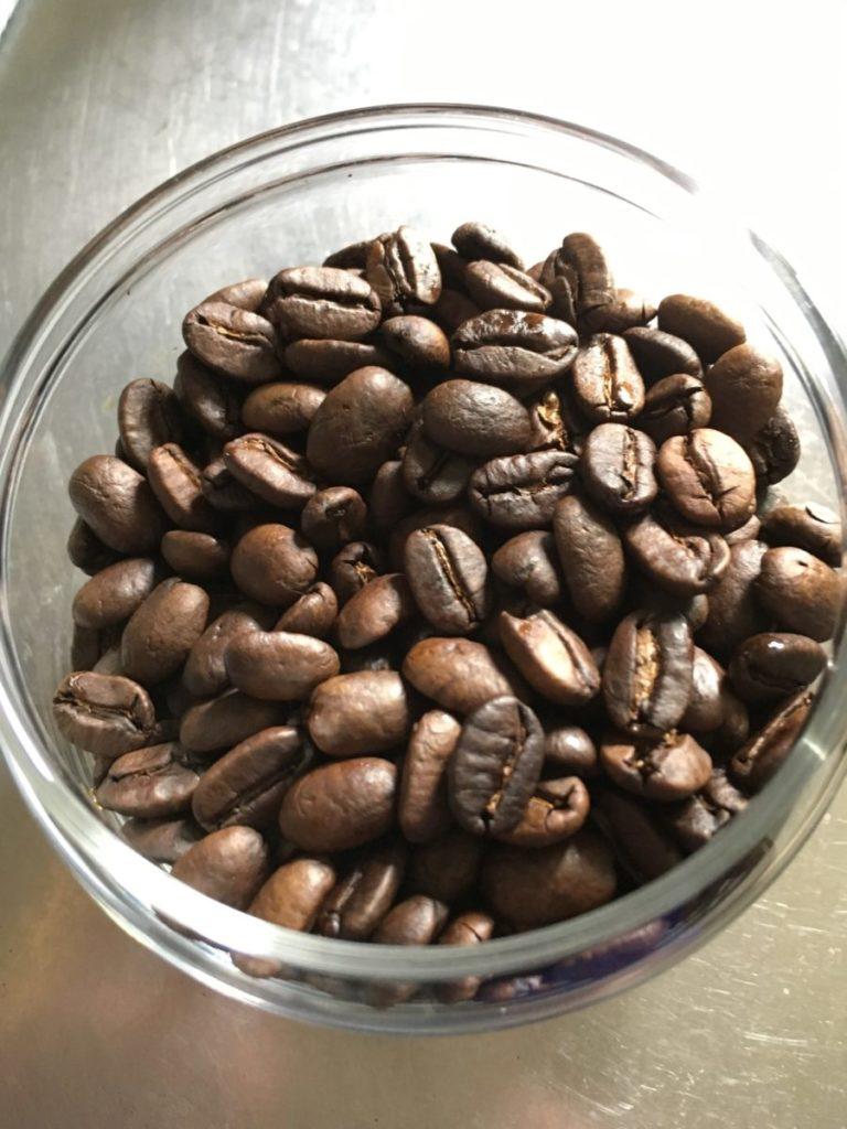 IMG 7987 768x1024 - テーラードコーヒーのマンデリン「トゥルーブルー」飲んだ感想を正直に述べる