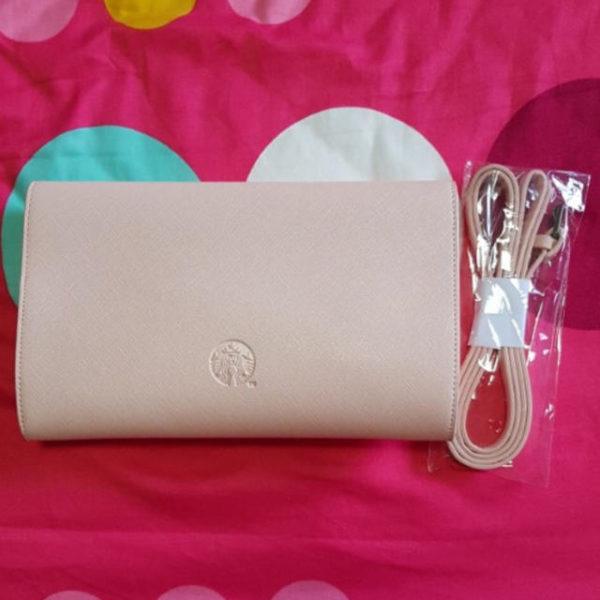 679274839 600x600 - スタバ「ピンクのロゴ入りクラッチバッグ」がおしゃれで可愛い!値段は?
