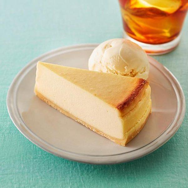 th baked cheese cake set 180417 600x600 - タリーズ【ベイクドチーズケーキ】カロリーや感想 アイスと一緒に食べるとさっぱりしておすすめ