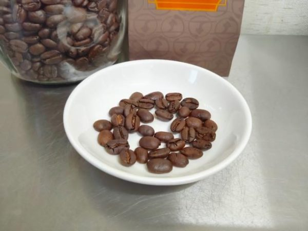 th Doi Coffee Mandelin G1 2 600x450 - 土居珈琲のコーヒー豆「マンデリンG1」を飲んだ感想を正直に述べる