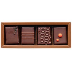 th bonbon chocolat box 4p 300x296 - スタバとグリーンビーン トゥ バー チョコレートのコラボ商品が登場!