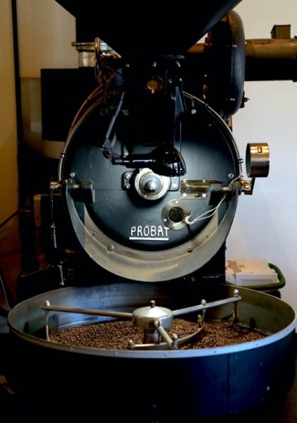 th probat roaster 421x600 - コーヒー豆の種類や味の違い|お気に入りの豆を探すたった1つのコツ