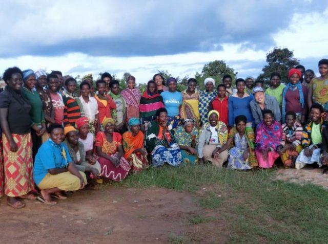 カリシンビCWSで働く女性たち